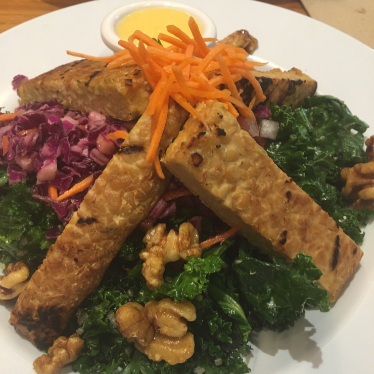 Vegan user review of Veggie Grill in Mountain View. All Hail Kale salad with tempeh. #food #salad #tempeh