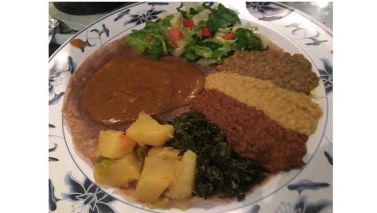 Vegan user review of Asmara Restaurant in Oakland. Ethiopian! Vegetarian combination plate
