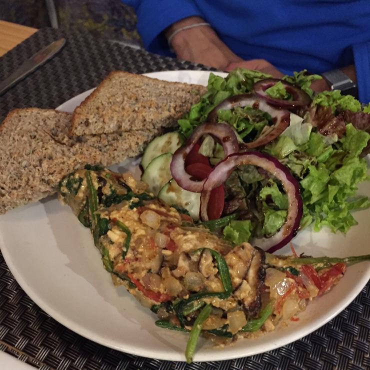 Vegan user review of Jalus Vegan Kitchen in Ha Noi. Vegan omelette
