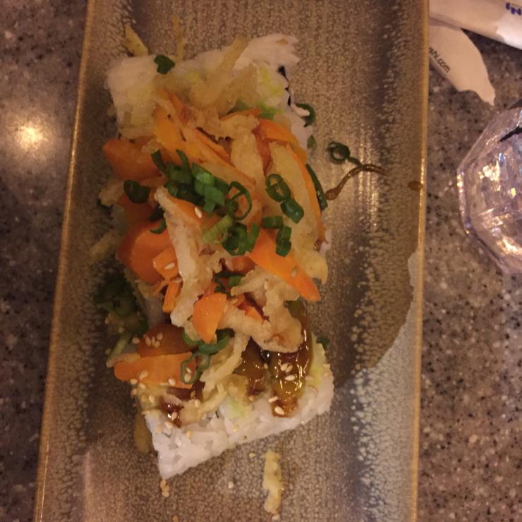 Vegan user review of Mikuni Japanese Restaurant & Sushi Bar in Fair Oaks. Vegi-ten roll. Tempura vegetable roll and stuff.