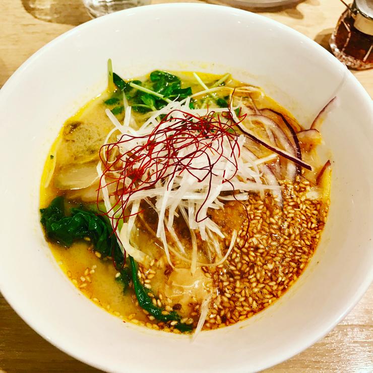 Vegan user review of T's TanTan Japan in Tokyo. Amazing golden sesame tantan, a type of ramen 🍜
