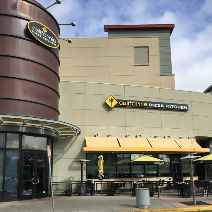 Vegan user review of California Pizza Kitchen in San Jose.