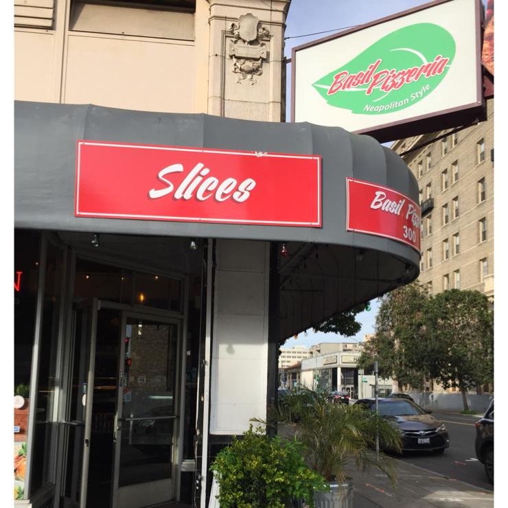 Vegan user review of Basil Pizzeria in Oakland.