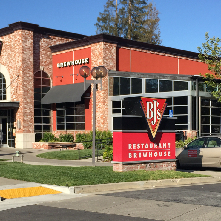 Vegan user review of BJ's Restaurant & Brewhouse in Cupertino.
