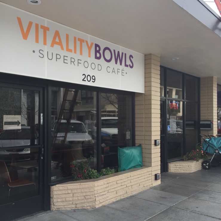Vegan user review of Vitality Bowls in Palo Alto.
