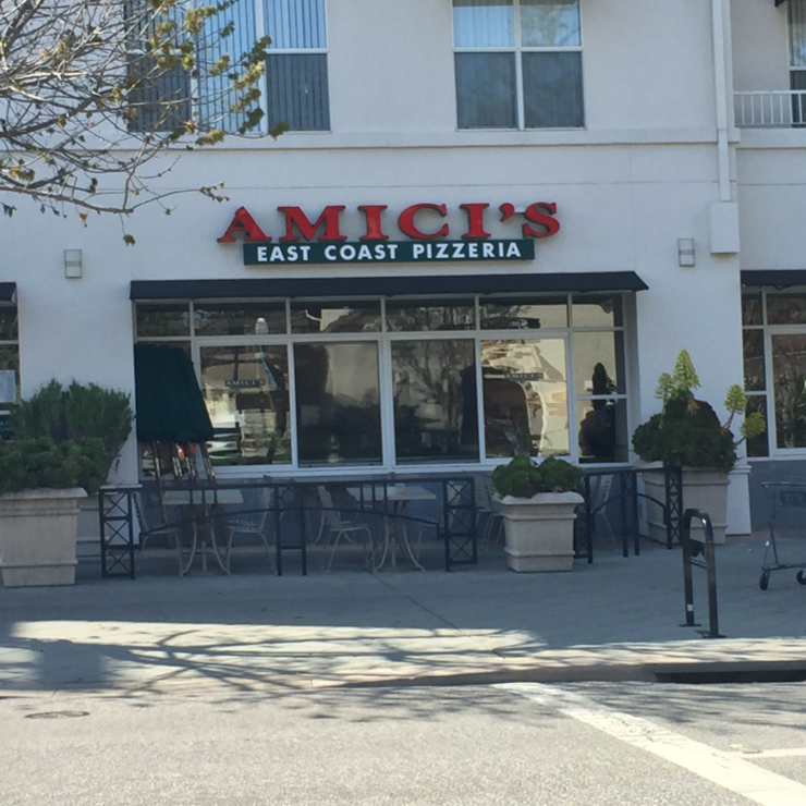 Vegan user review of Amici's East Coast Pizzeria in Mountain View.