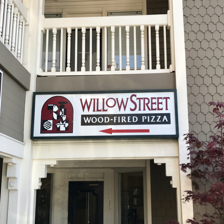 Vegan user review of Willow Street Wood Fired Pizza in Los Gatos.