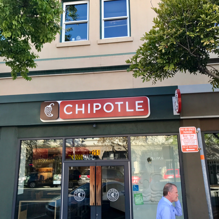 Vegan user review of Chipotle Mexican Grill in San Mateo.
