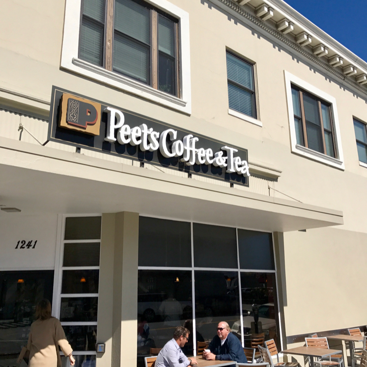 Vegan user review of Peet's Coffee in Burlingame.