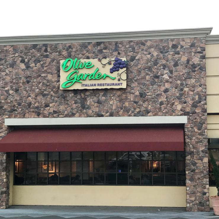 Vegan user review of Olive Garden Italian Restaurant in San Francisco.