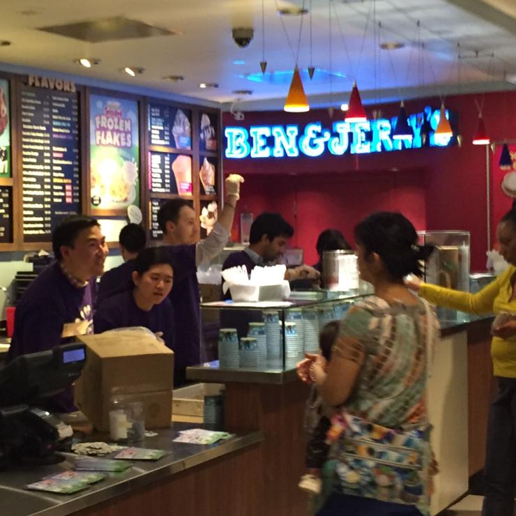 Vegan user review of Ben & Jerry's in San Francisco.