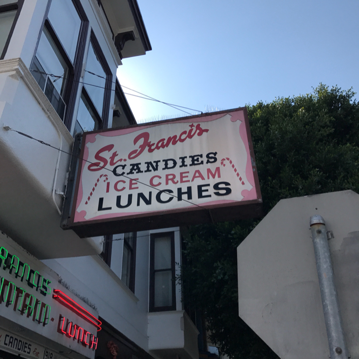 Vegan user review of St. Francis Fountain in San Francisco.