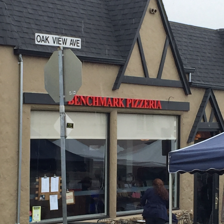 Vegan user review of Benchmark Pizzeria in Kensington.