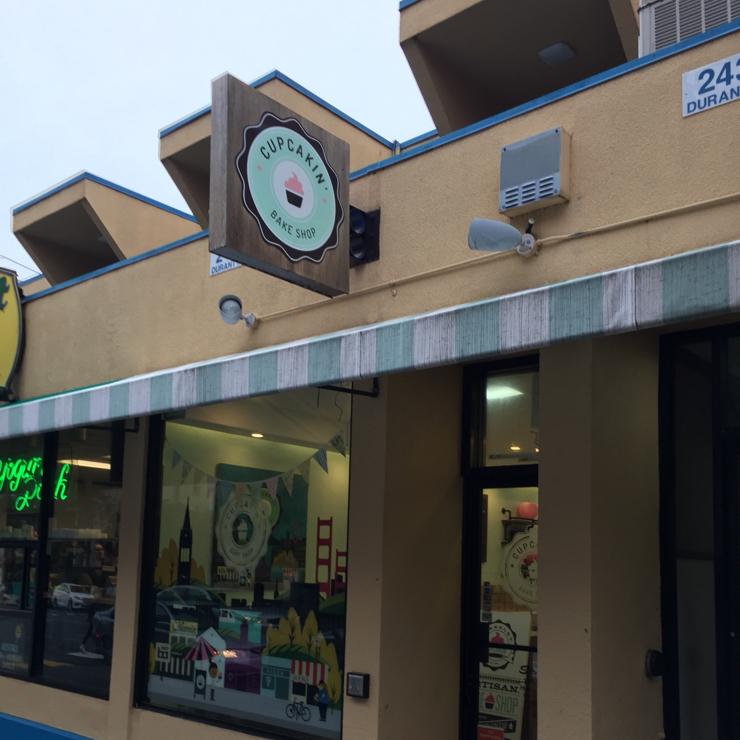 Vegan user review of Cupcakin' Bake Shop in Berkeley.