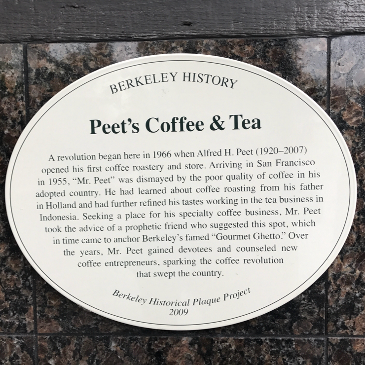 Vegan user review of Peet's Coffee in Berkeley.