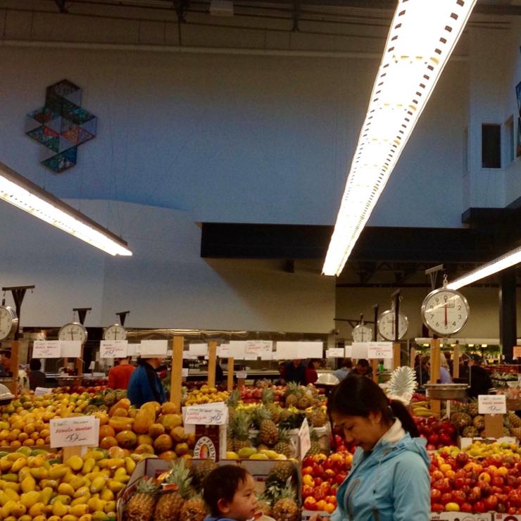 Vegan user review of Berkeley Bowl West in Berkeley. Amazing selection of fruit