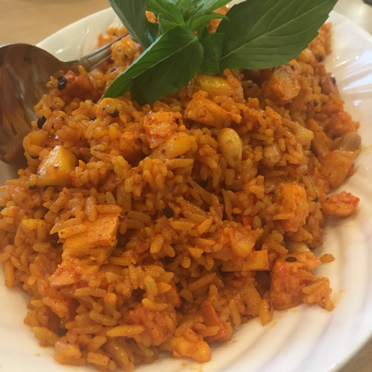 Vegan user review of Mint & Basil in San Jose. Thai fried rice with pineapples