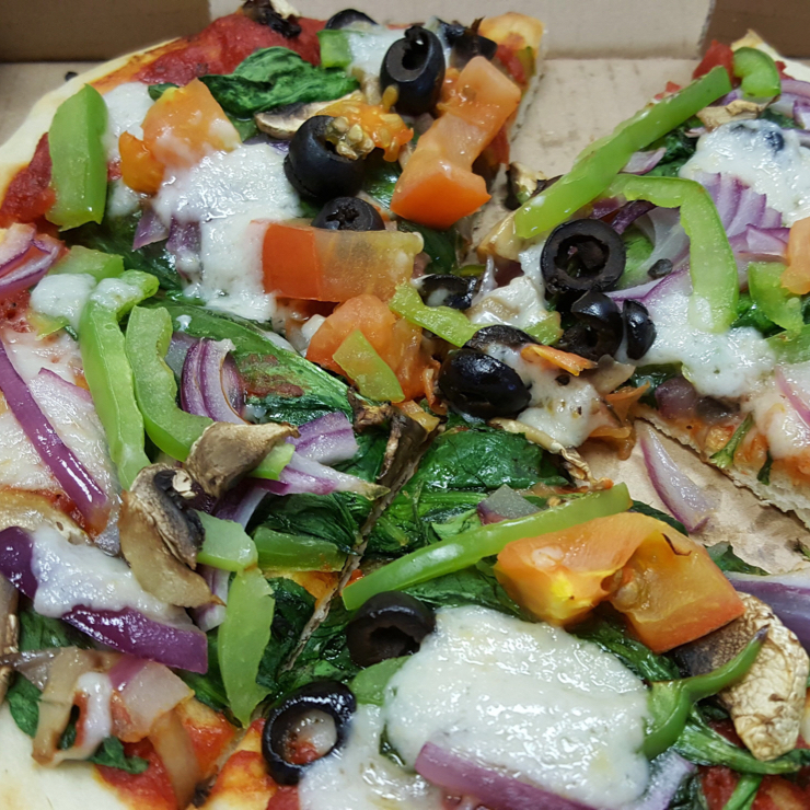 Vegan user review of Razzos Pizza And Salads in Hayward.