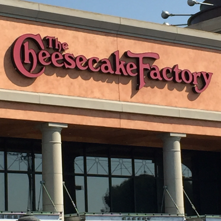 Vegan user review of The Cheesecake Factory in Pleasanton.