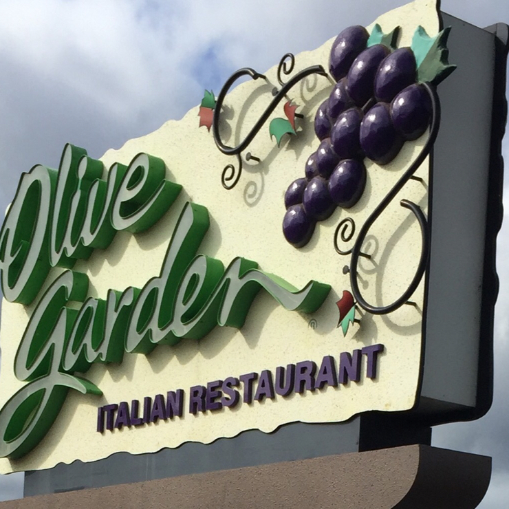 Vegan user review of Olive Garden Italian Restaurant in Pittsburg.
