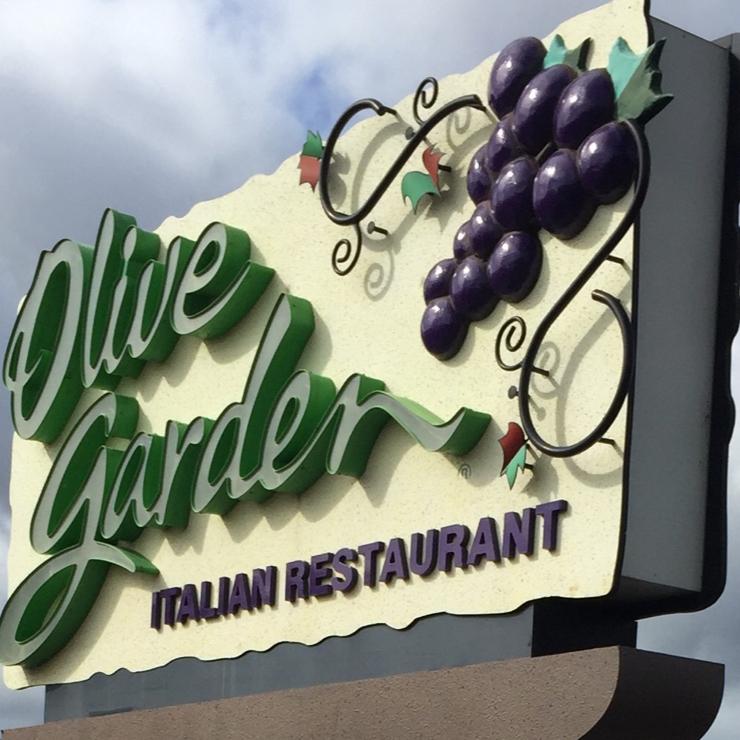 Vegan user review of Olive Garden Italian Restaurant in Stockton.