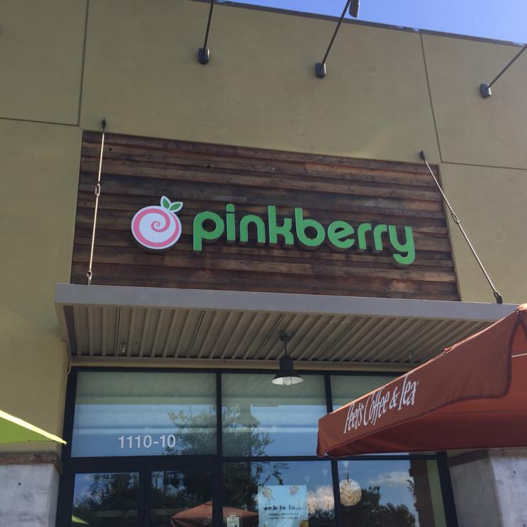 Vegan user review of Pinkberry Pueblo Plaza in San Jose.
