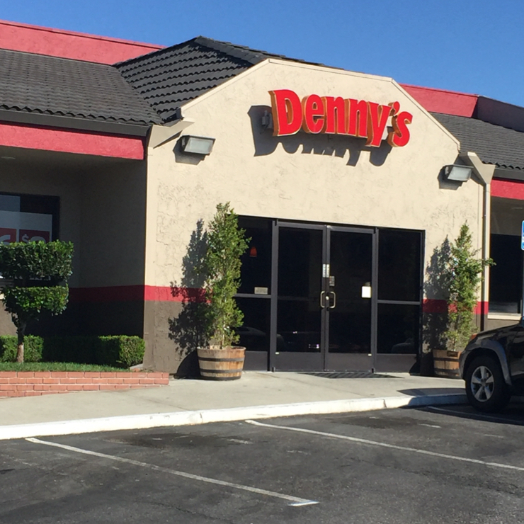 Vegan user review of Denny's in San Jose.