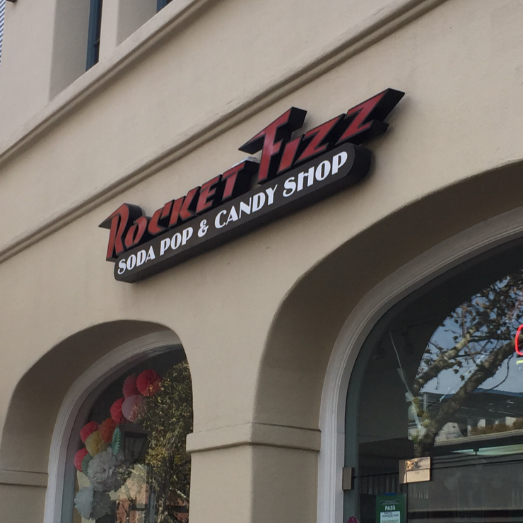 Vegan user review of Rocket Fizz in Palo Alto.