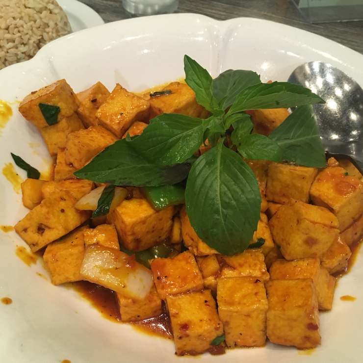 Vegan user review of Mint & Basil in San Jose. Spicy and with pineapples, love the sauce