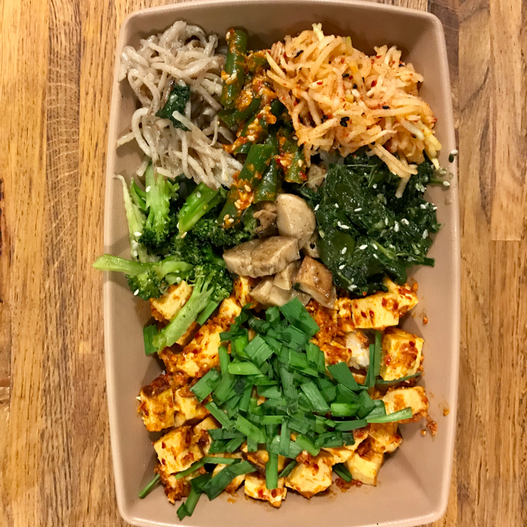 Vegan user review of HoM Korean Kitchen in San Jose. Amazing vegan combo meal with organic tofu and 6 different bsnchan (broccoli, beans, spinach, radish, mushrooms and potatoes). They also serve vegan kimchi and and amazing house made ginger beer.