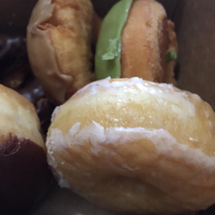 Vegan user review of Vegan Donut and Cafe in San Jose. Assorted raised & cake donuts