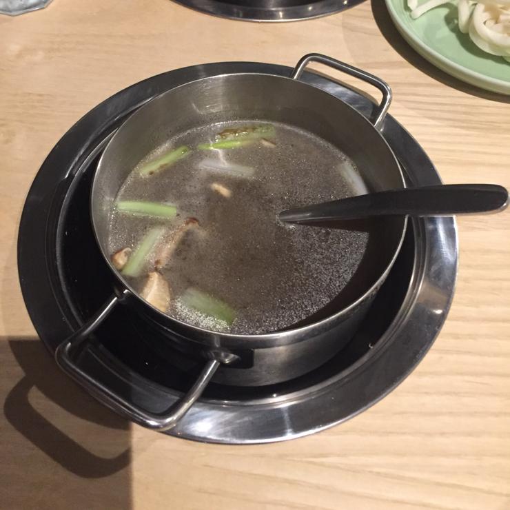 Vegan user review of Mumu Hot Pot in Sunnyvale. Great vegan mushroom soup base
