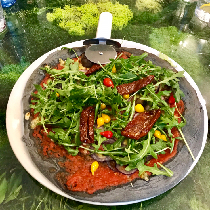 Vegan user review of Pizzi & Dixie in Madrid. Amazing pizza and other vegan dishes. A must visit when you're in Madrid.