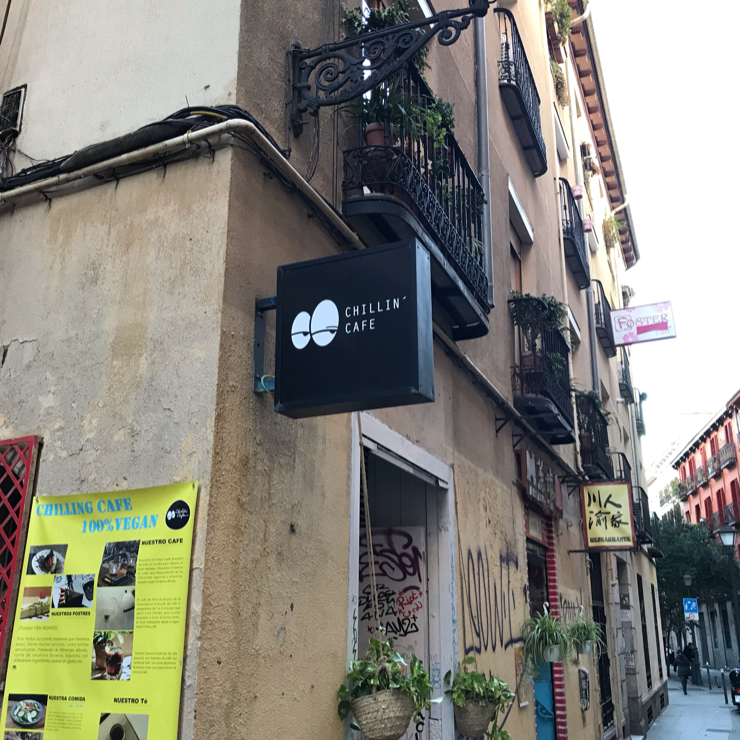 Vegan user review of Chillin' Cafe in Madrid.