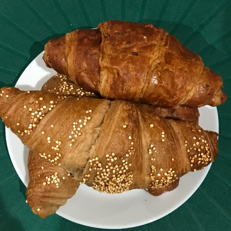 Vegan user review of La Rollerie in Madrid. This Madrid chain has a couple of vegan croissants, one jam filled and the other whole wheat one