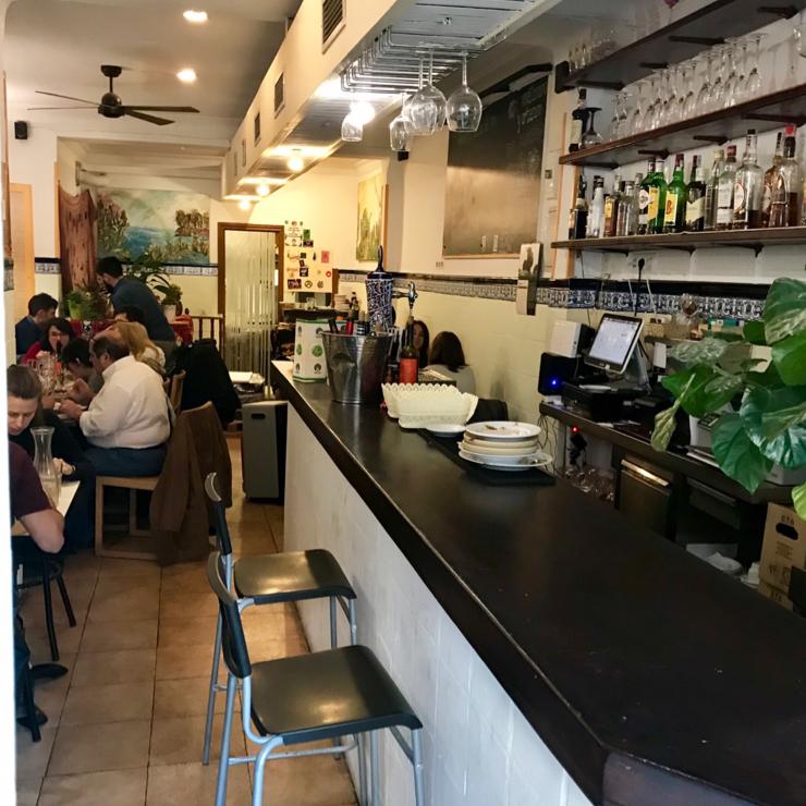 Vegan user review of Llanten Veggie Bar in Madrid.