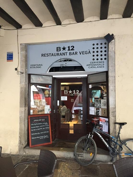 Vegan user review of B-12 Rte Bar Vegano in Girona.