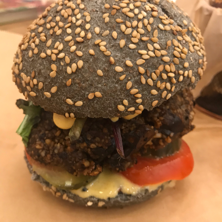 Vegan user review of Vacka in Barcelona. Superb burger. Very healthy and tasty