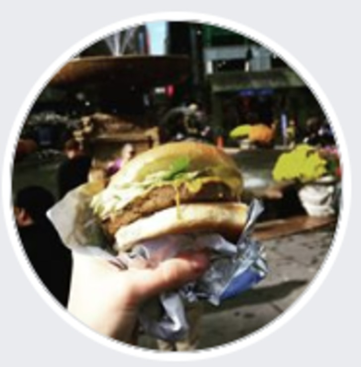 Vegan user review of Marty's V Burger Restaurant in New York.
