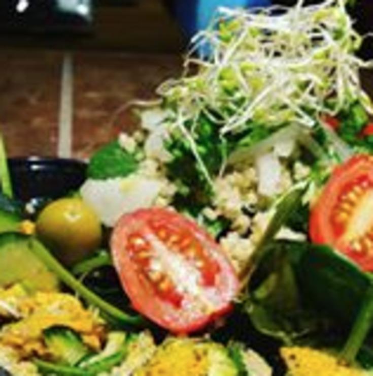 Vegan user review of Rawtopian Bliss Cafe in Columbia.