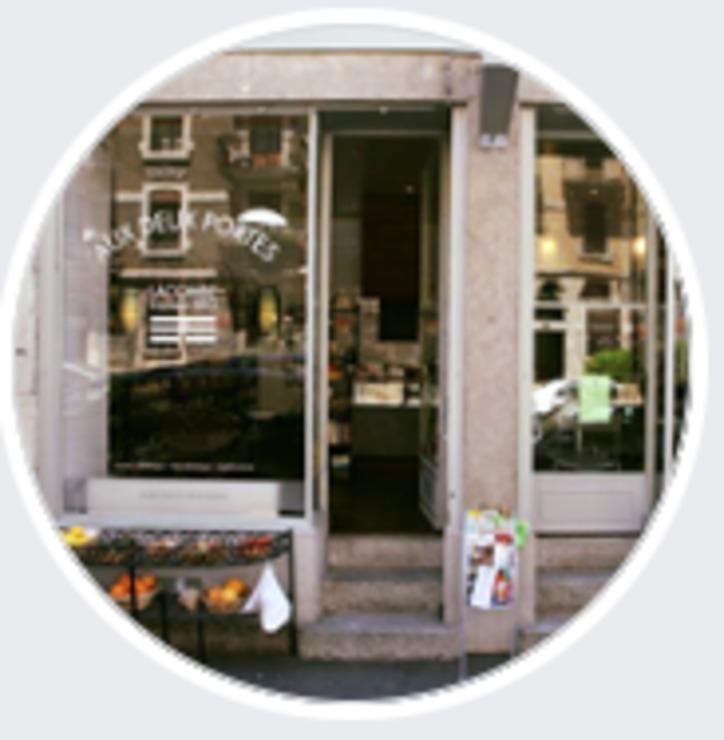 Vegan user review of Aux Deux Portes Cafe in Geneva.