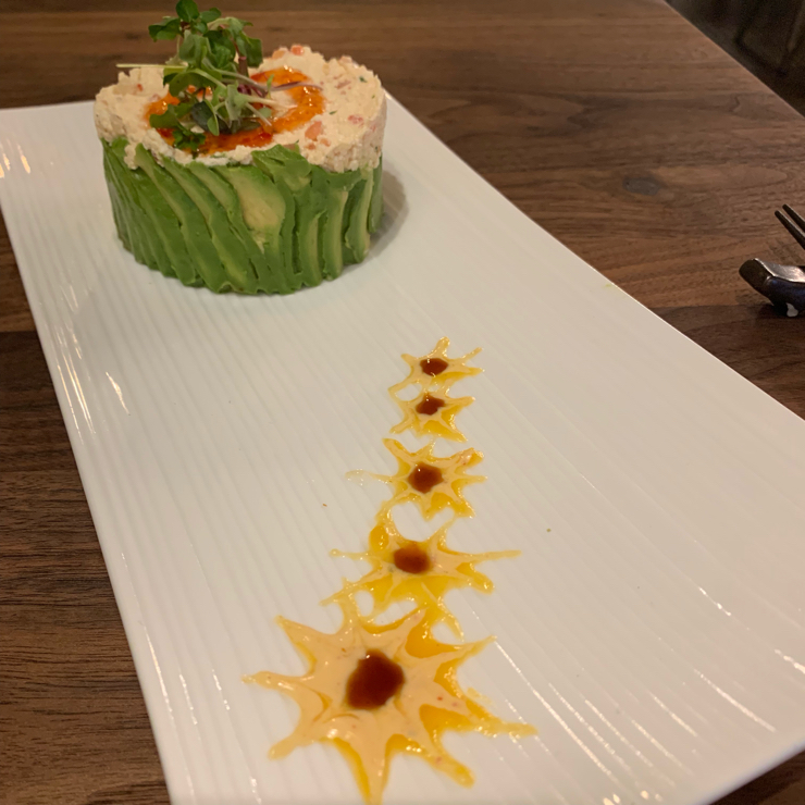 Vegan user review of Beji Sushi in Agoura Hills. Healthy forbidden rice sushi and it's all fancy decorated. Love it!!!