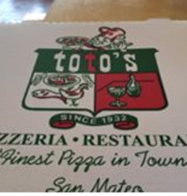 Vegan user review of Toto's Pizzeria in Belmont.