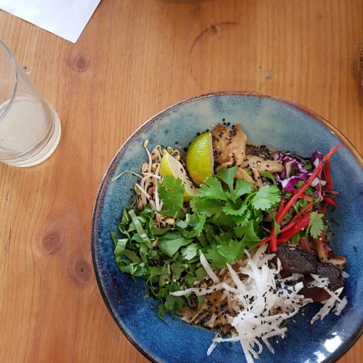 Vegan user review of Gys in Utrecht. Stumbled across this place and I'm soooo glad I did! Spoilt for choice as their menu is almost entirely vegan (menu is 100% vegetarian). Breakfast, lunch & dinner options all looked delicious and the staff were very friendly :) I highly recommend the soto!! 😁