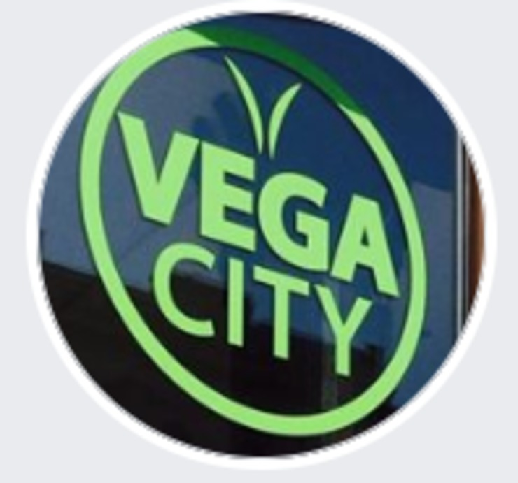 Vegan user review of Vega City in Budapest.