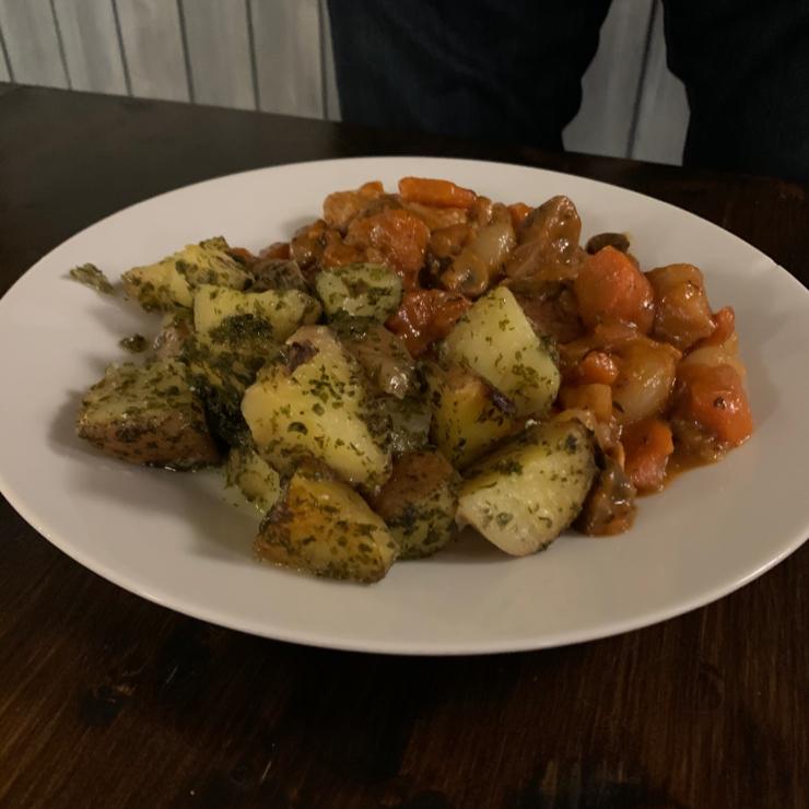 Vegan user review of Kozmosz Vegan Etterem. Seitan burgundy. Very flavorful.