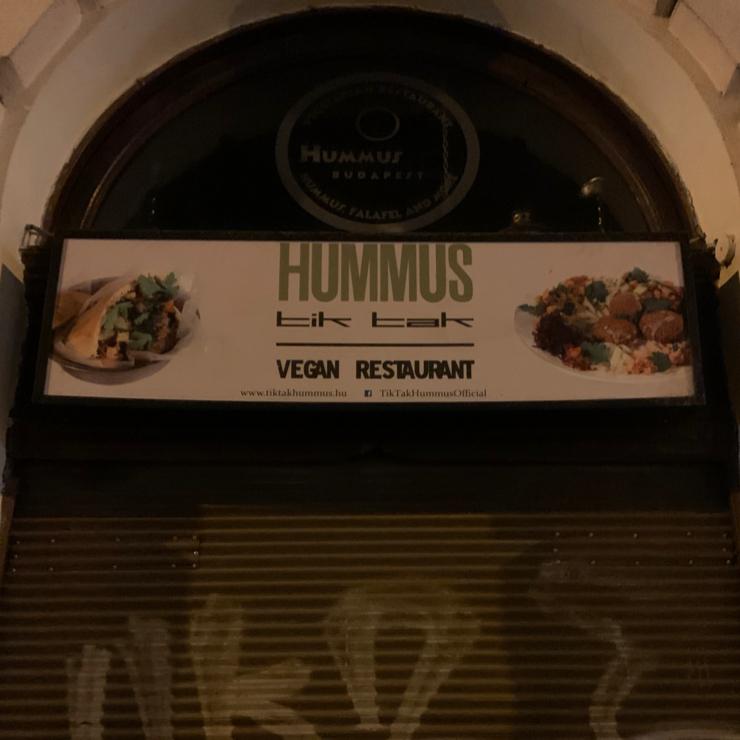 Vegan user review of Tik Tak Hummusz.