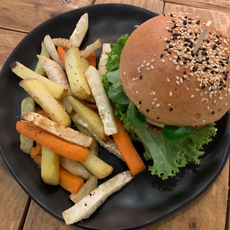 Vegan user review of Chutnej bistro in Praha.