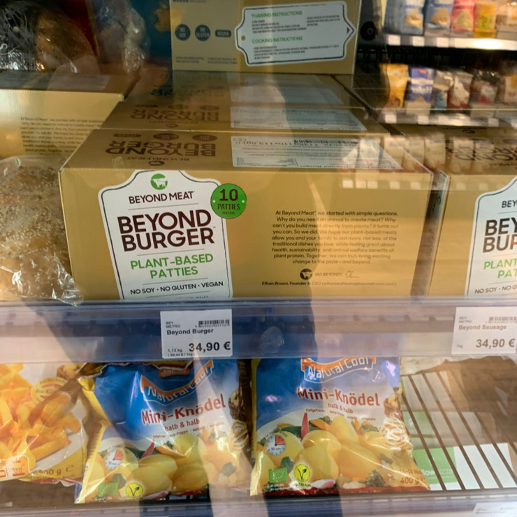 Vegan user review of Maran Vegan Bistro in Wien. Vegan grocery store with a cafe.