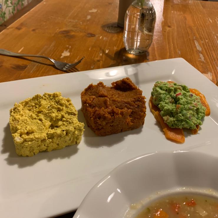 Vegan user review of Restaurace Plevel in Prague.